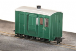 Peco GR-530UG GVT 4-wheel brake coach, plain green, OO-9
